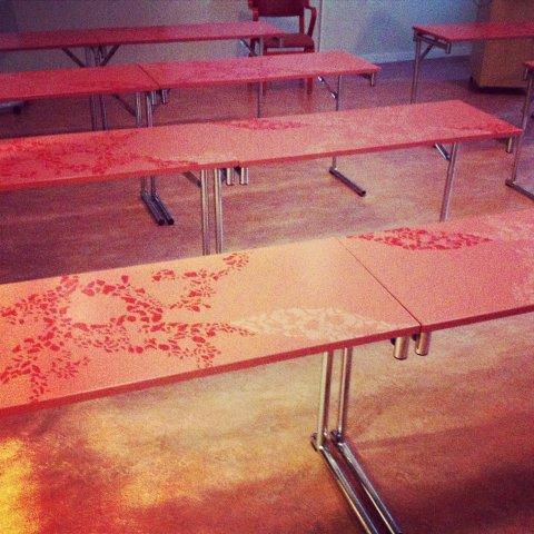 dekormålade konferensbord